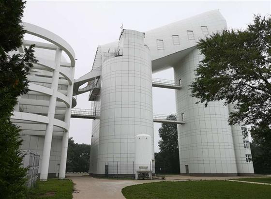 两岸媒体人共同探访国家天文台兴隆观测站