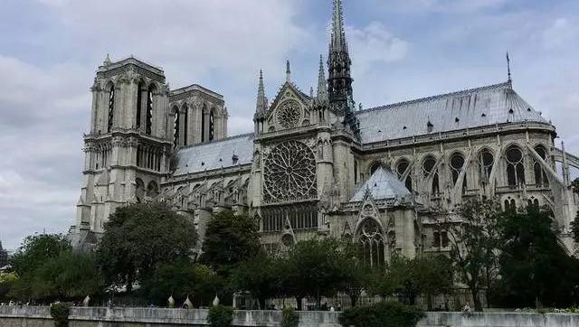 法拟清理巴黎圣母院铅物质 儿童血液含铅量过关