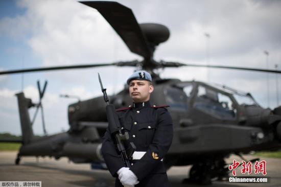 材料图:外埠时间2018年5月15日,英国皇家空军第三军团萨福克郡瓦迪谢姆军事基地到场集训,为哈里王子大婚做准备。