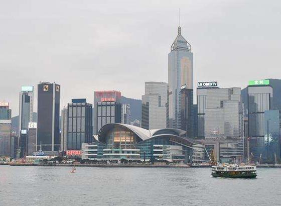香港旅游业从欣欣向荣变惨淡经营 卢瑞安:很痛心