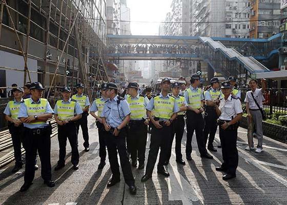 """""""阿Sir、Madam,辛苦了!""""——120位小朋友画出对香港警察美好祝愿"""