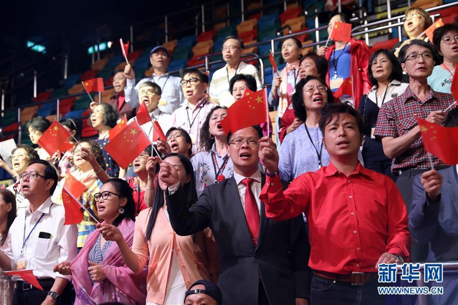 (图文互动)(5)香港岛各界举行文艺晚会庆祝新中国成立70周年