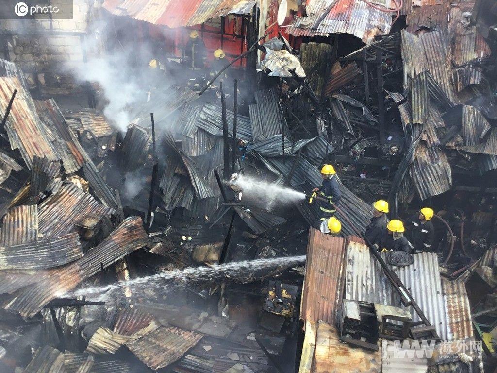 菲律宾首都发生二级大火 棚屋被烧毁面目全非