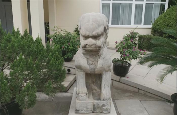 西班牙使馆门口有座神秘的石狮子