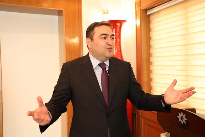 阿塞拜疆驻华大使:杰纳利·阿克拉姆