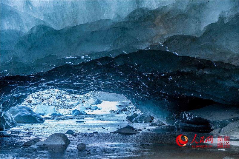 神奇的昭苏天山冰洞美得让人窒息