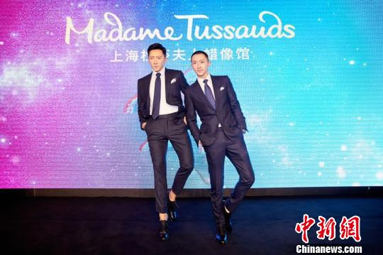 韩庚不仅是2019年首位入驻上海杜莎的明星,也是上海杜莎首位拥有舞动蜡像的明星。 芊烨 摄