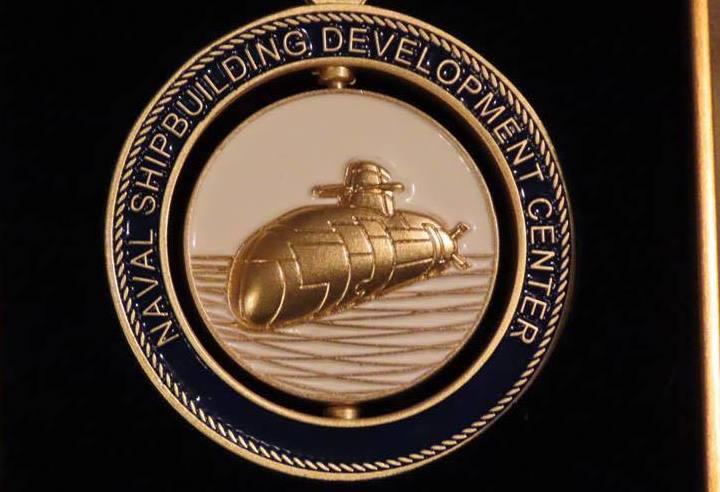 """台媒称台军纪念品图案就是""""潜舰自造""""潜艇外观设计(图片来源:台湾《联合报》)"""