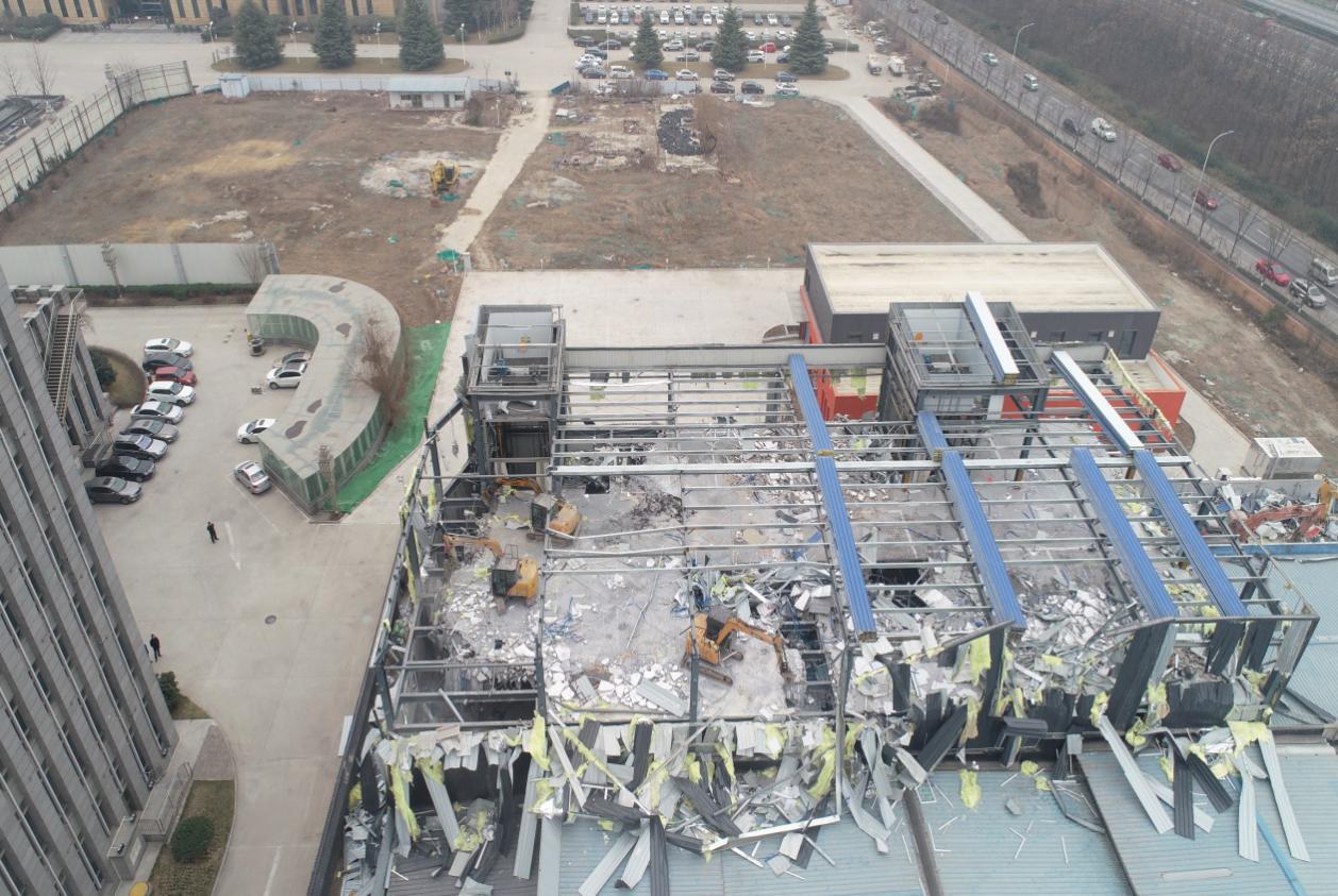 西安高新区城市管理局 集中开展违建拆除活动