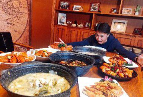 曼谷人气中餐厅,酸菜鱼好吃又多料1.jpg