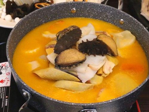 炉鲜张金汤花胶鸡煲,鲜香美味1.jpg