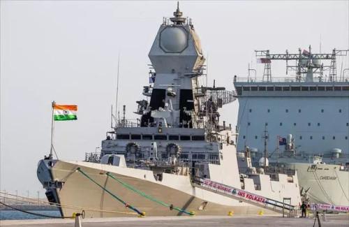 """为中国海军""""庆生"""",印度派出高规格""""神盾舰"""""""