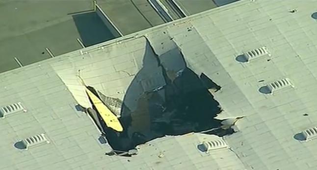 一架F16战机在美国加州坠毁 载有武器和副油箱