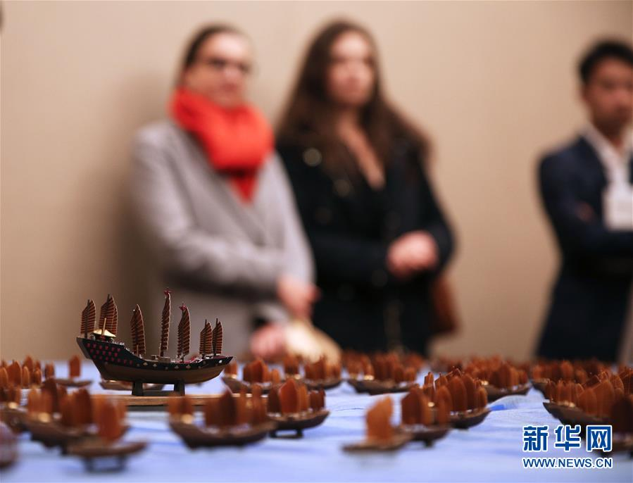 (国际)(1)云南省非物质文化遗产亮相巴黎
