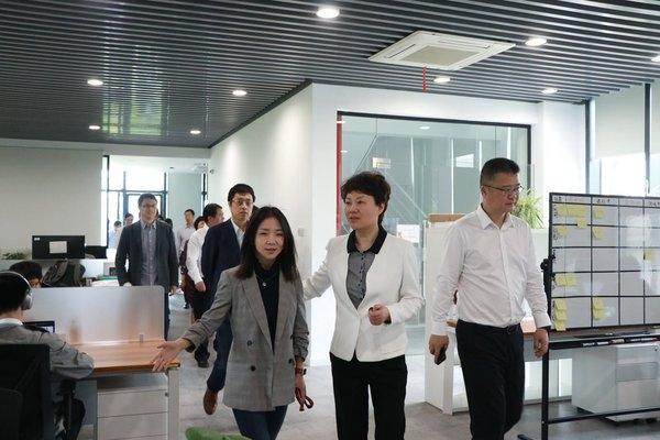杭州萧山区主要负责人调研网易人工智能创业公司
