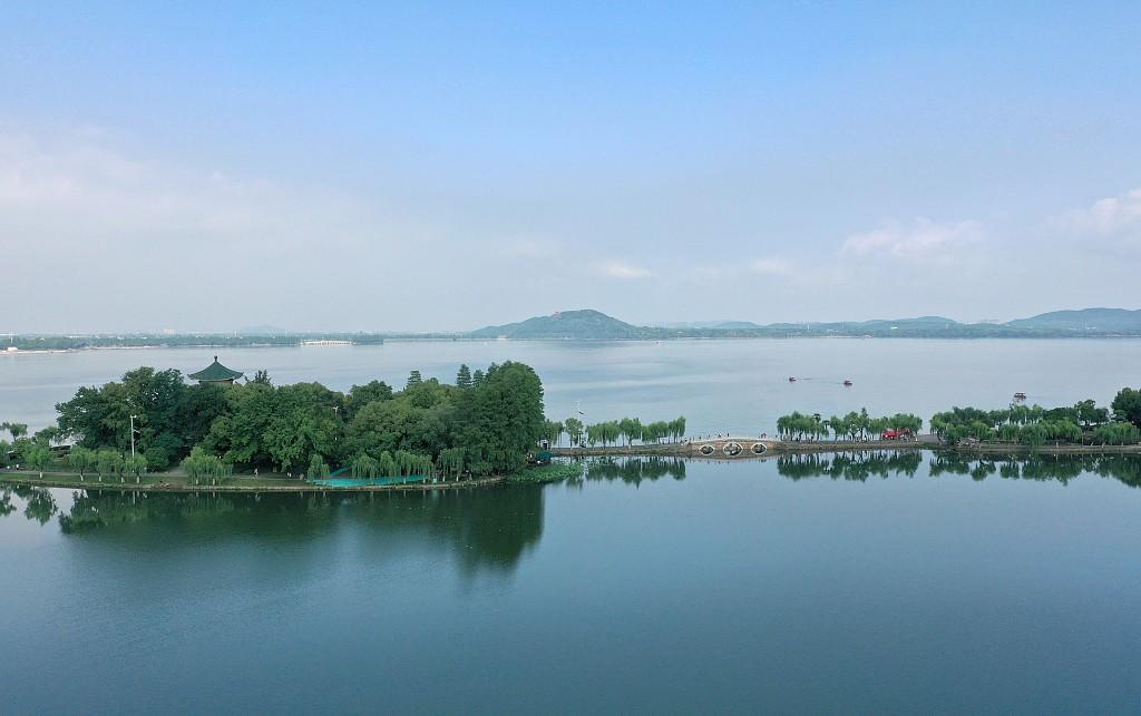 雨后武汉东湖宛如童话世界