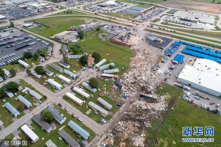 """龙卷风侵袭美国俄克拉荷马州 酒店几乎被""""拆除"""""""
