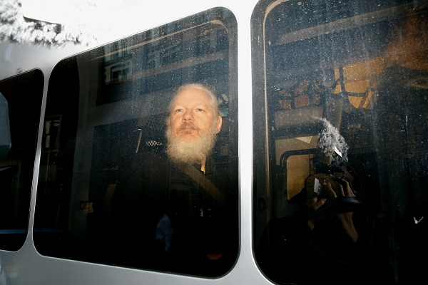 julian-assange-arrested-again.jpg