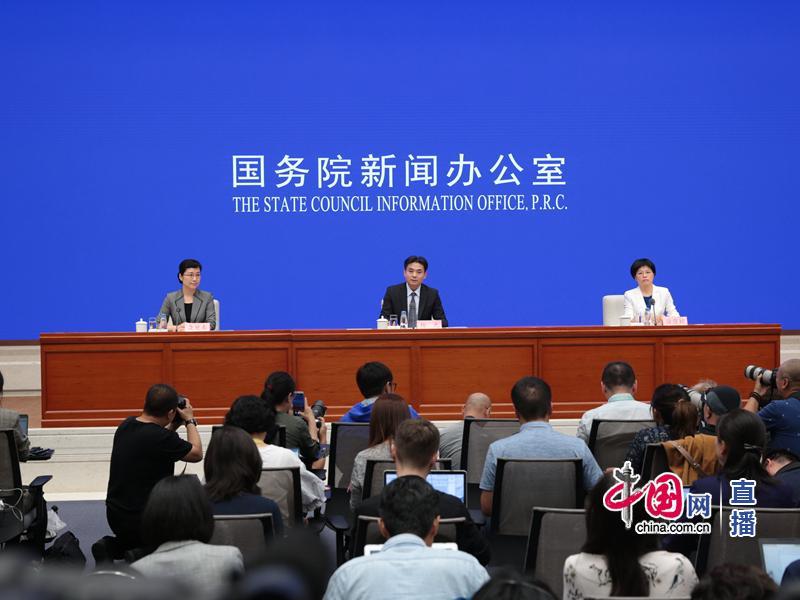 美媒问解放军会怎样介入香港局势 港澳办:查查《基本法》