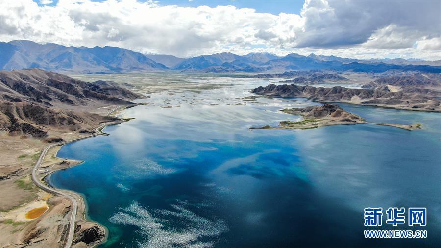 (美丽中国)(1)鸟瞰神奇班公湖