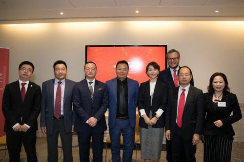 中国侨网部分嘉宾合影。