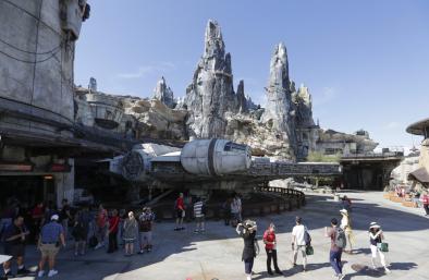 """飓风""""多里安""""登陆佛州 迪士尼新增星球大战项目受影响"""