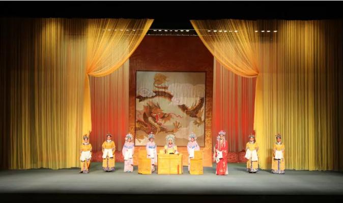 陕西渭南庆祝新中国成立70周年剧目展演开始