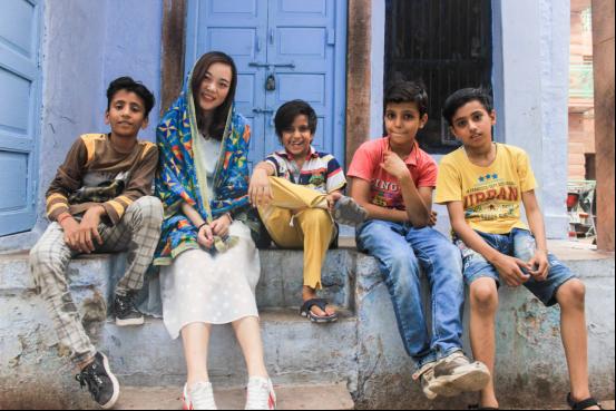 """中国姑娘一年200多天在印度,培育数千名""""网红"""""""