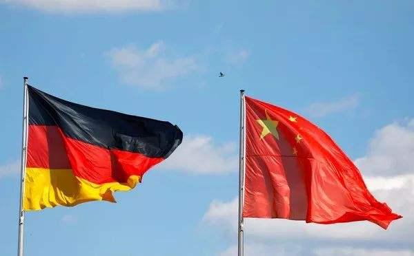 海外网评:默克尔14年内12次访华,中德关系特殊在哪?