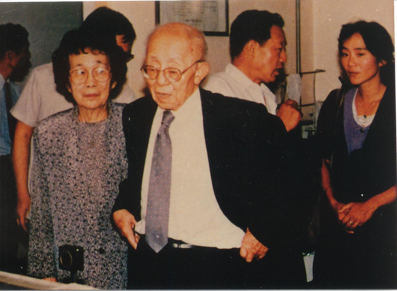 美籍华人物理学家任之恭(沁源人)偕夫人在山西考察.JPG