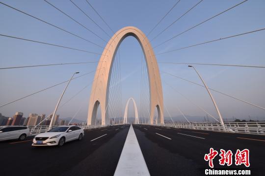 """新首钢大桥建成通车""""百里长街""""延长至51.5公里"""
