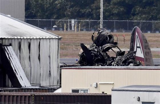 191002-connecticut-plane-crash-cs-115p_b3e49353e452858b9af4c1b7575a5652.fit-560w.jpg