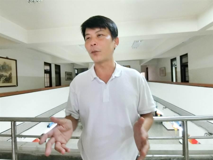 """台湾""""最强菜农"""":民进党瞧不起基层,只是要我们票"""