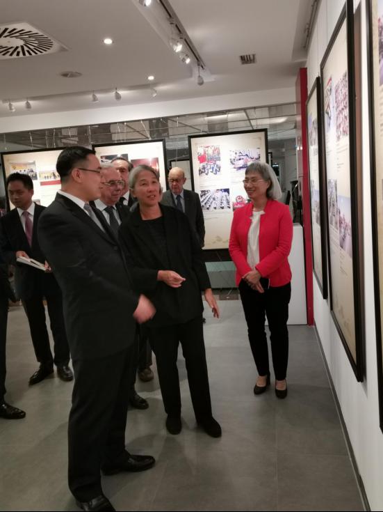 庆祝澳门回归祖国20周年图片展在里斯本开幕519.png