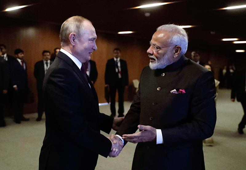 普京邀请印度总理参加红场阅兵 莫迪:我乐意去