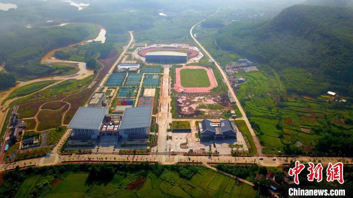 海南白沙:小县办大赛体育巧扶贫