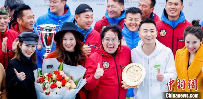 香港明星足球队上海举行慈善赛共筑爱心