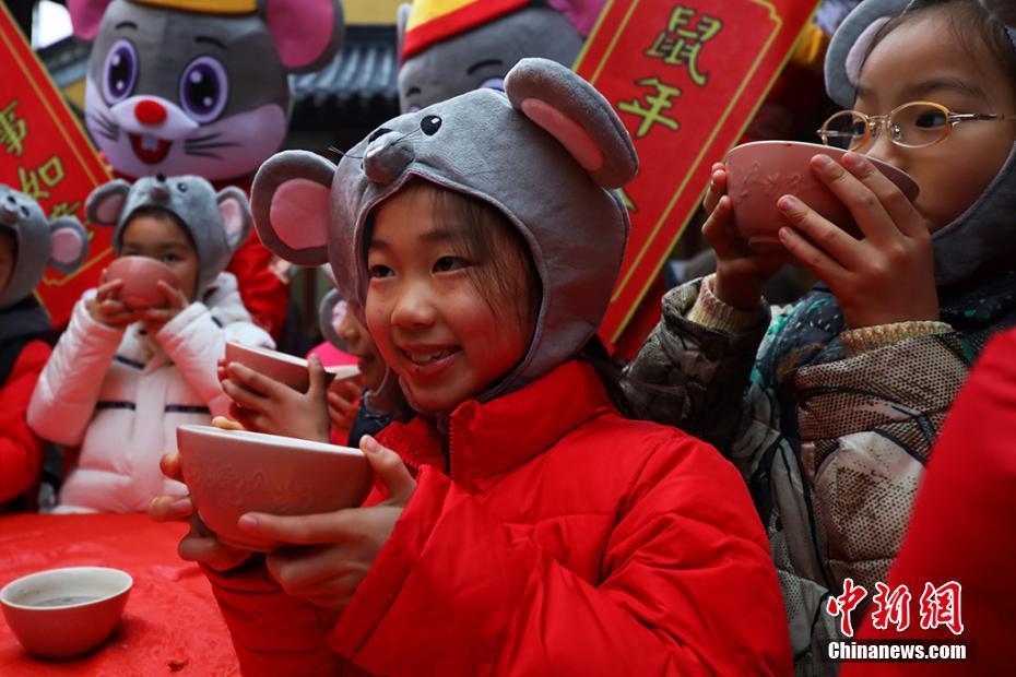 中国传统节日腊八到 今天你喝粥了吗