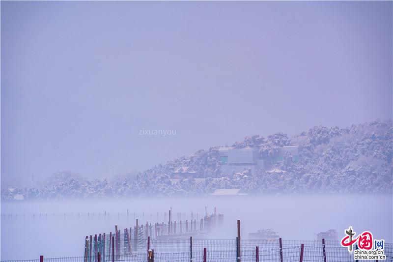 京城迎来2020年第一场雪 颐和园雪景成热点