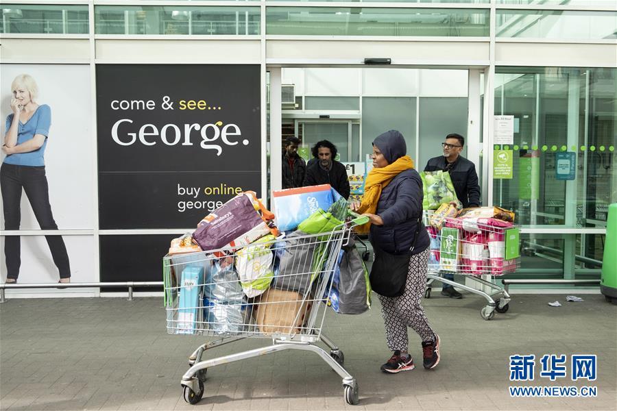 英国伦敦:超市现抢购潮