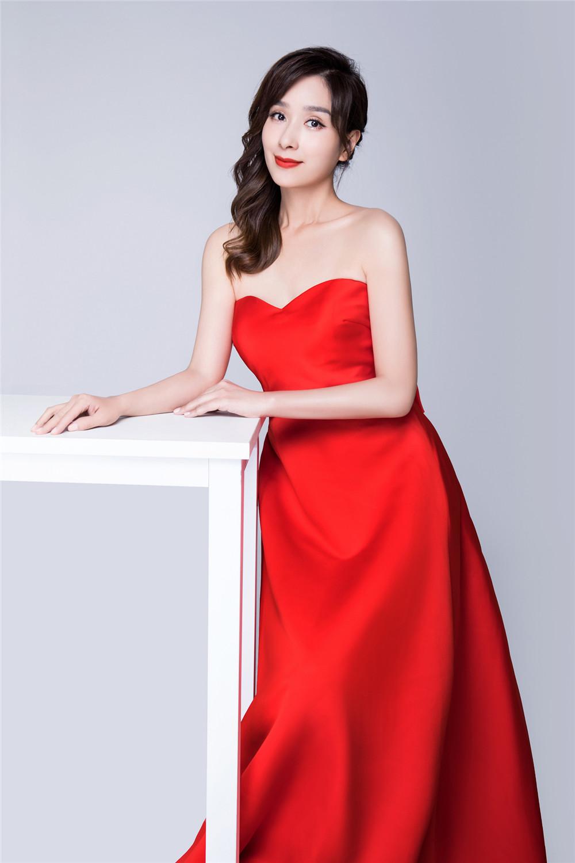 杨恭如写真 红裙动人