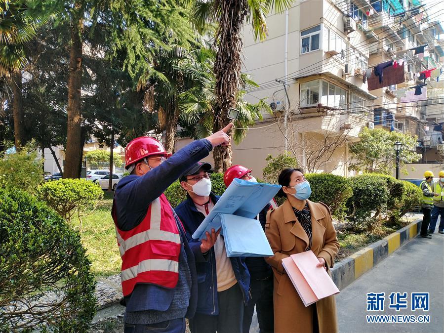 上海市各老旧社区:加装电梯项目陆续复工