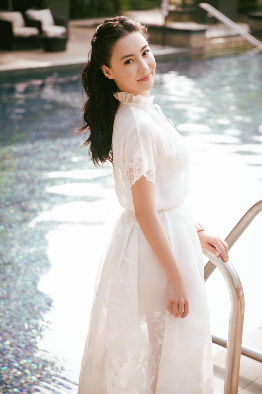 张柏芝春日写真 灿笑比心超甜