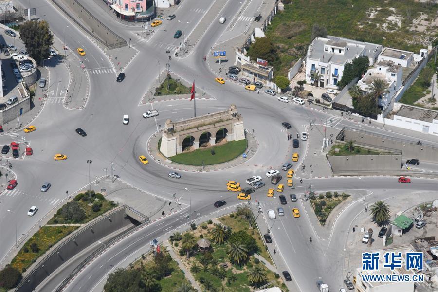 鸟瞰疫情下封城的突尼斯