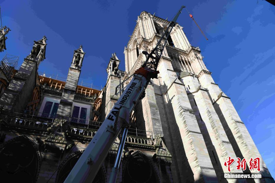 巴黎圣母院大火一周年 修缮工作因新冠肺炎疫情暂停
