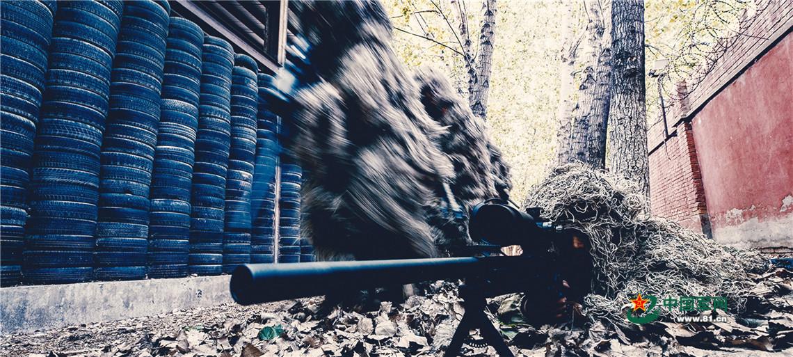 女狙击手日常训练,就一个字:酷!