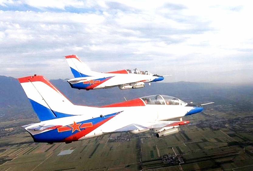 飞行学员双机编队训练