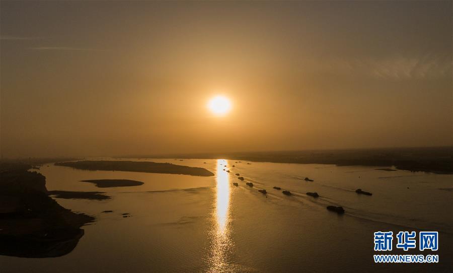 江西湖口:水路航运忙