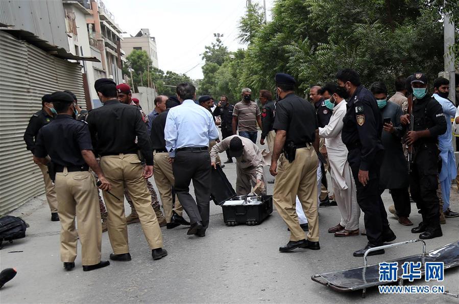 巴基斯坦证券交易所大楼遇袭多人死伤