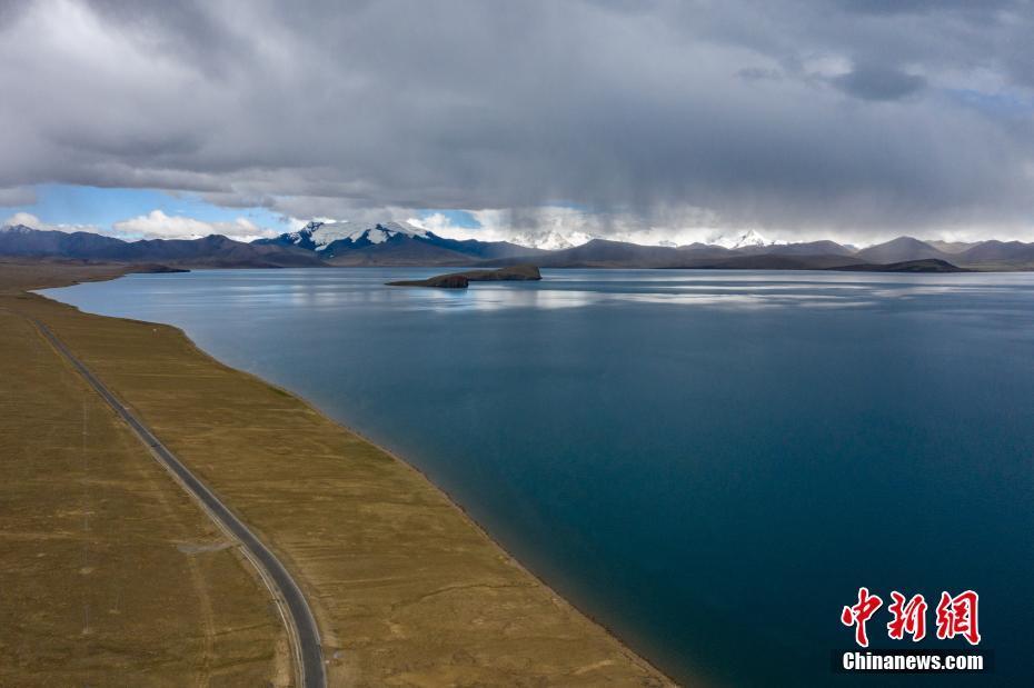 """探访藏南海拔最高大型淡水湖 海拔5000米的""""蓝宝石"""""""
